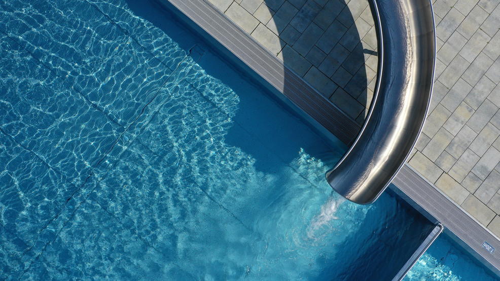 No Cdc Evidence Covid 19 Can Spread In Pool Water Gov Lee Issues Pool Opening Guidelines Wztv