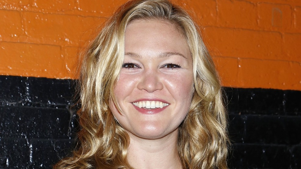 Actress Julia Stiles Engaged To Camera Assistant Wztv